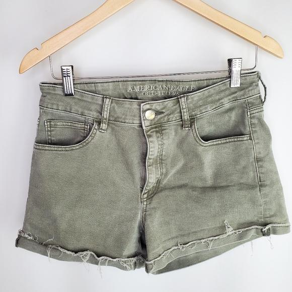 American Eagle Super Stretch size 10 shorts